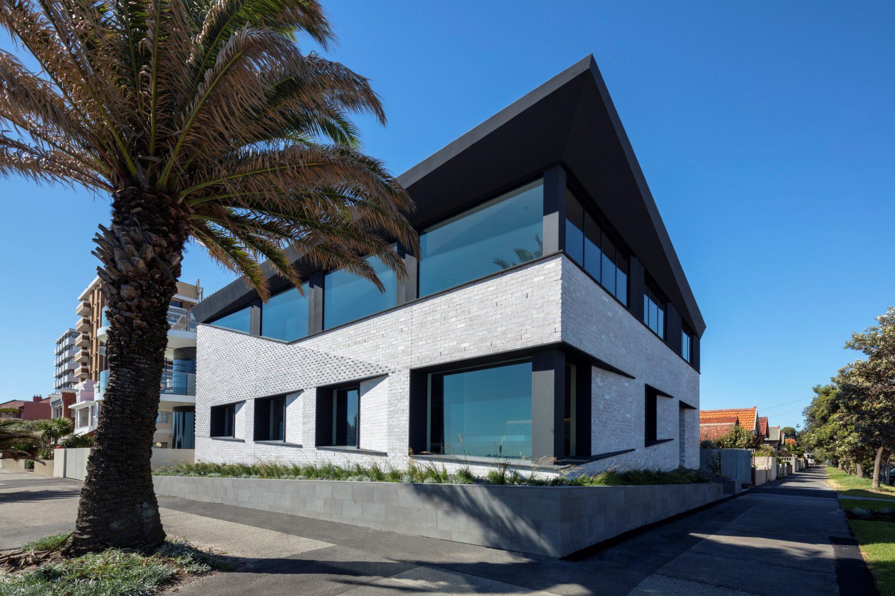Bio-Courtyard Residence